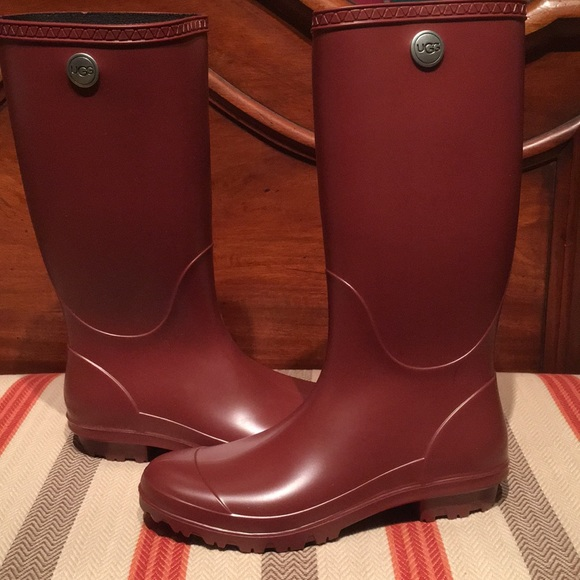 7403522d087 Ugg Women's Shelby Matte Rain Boots Garnet Red